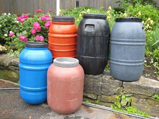53 And 55 Gallon Plastic Barrels With Top Lids